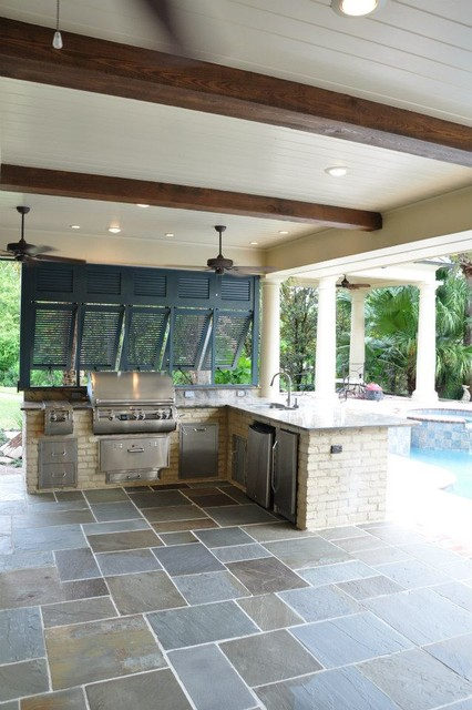 Custom outdoor kitchens and patios for Outdoor kitchen ideas houzz