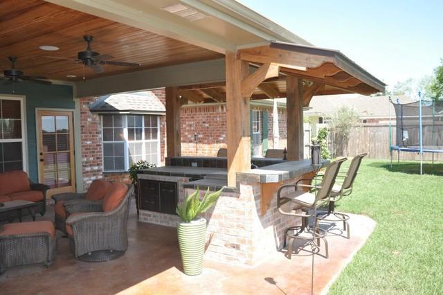 Custom Backyard Patios : Custom Outdoor Kitchens and Patios traditionalpatio