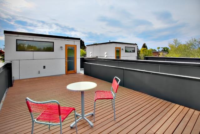 Dakota Lofts modern-patio