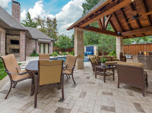 Dallas Backyard Pool & Retreat traditional-patio