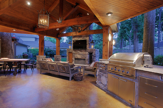 Daybreak Renovations Outdoors traditional-patio
