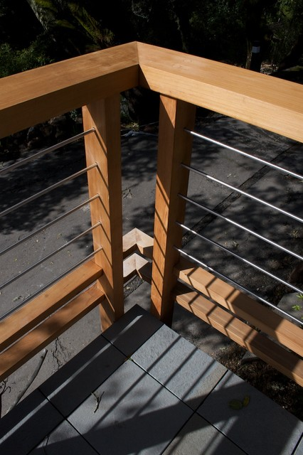deck railing detail modern patio