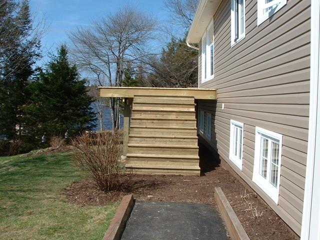Decks traditional-patio