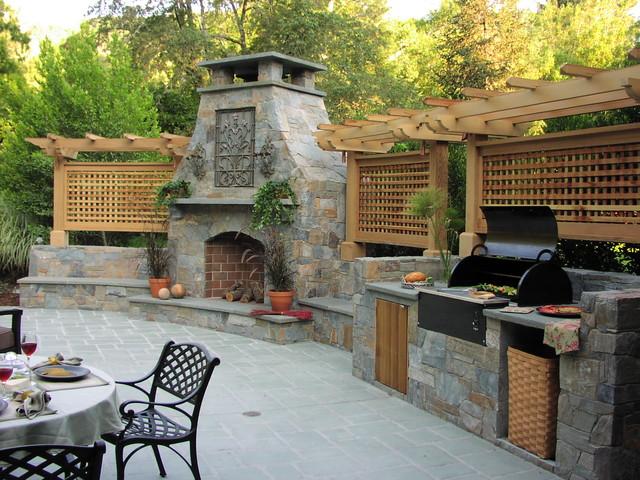 Derviss Design traditional-patio