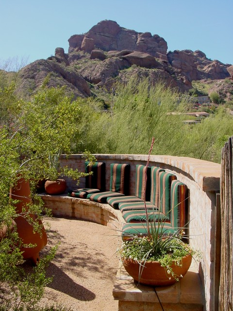 Desert Landscape Desgin contemporary-patio