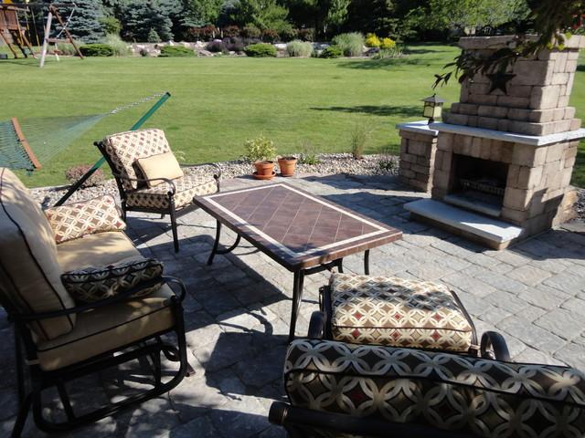 Design/Build traditional-patio
