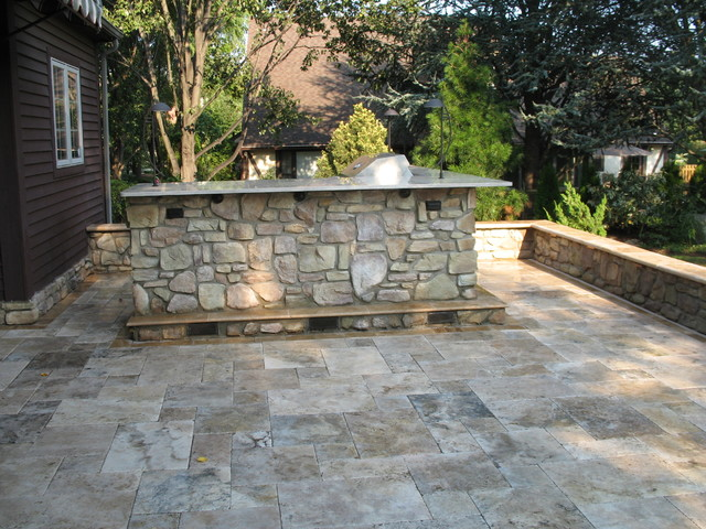 Doctor S. traditional-patio