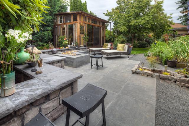 Dolsby modern-patio