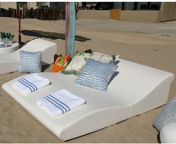 Double Wide Tide Outdoor Chaise Contemporary Patio