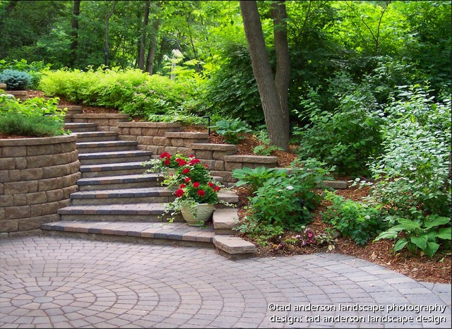 Driveway steps leading up a curving hillside minnesota for Stepped garden designs