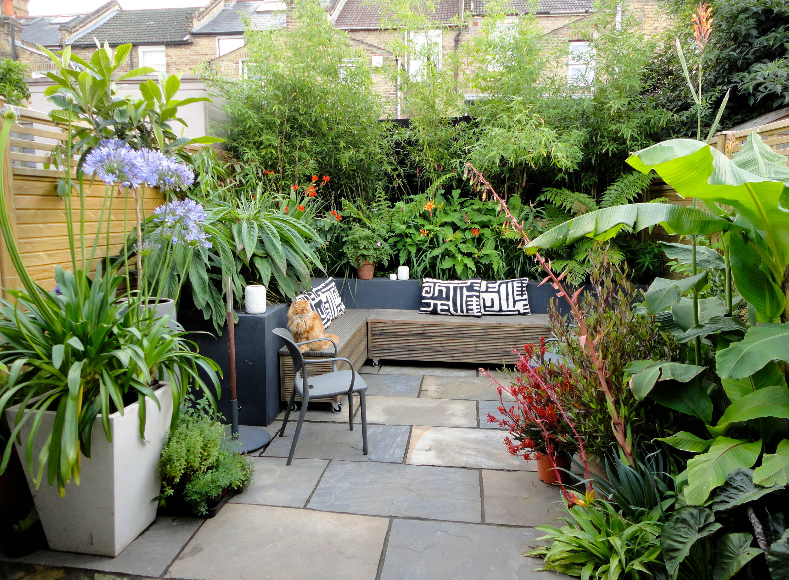 Small Courtyards For Year round Enjoyment   Houzz UK