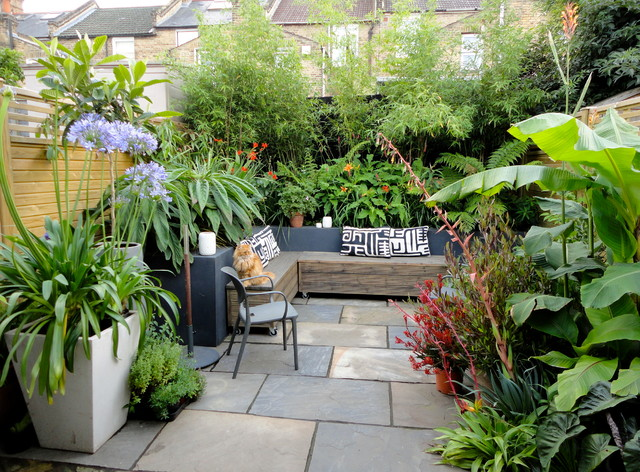 Jungle style haven - Small backyard landscape designs ...