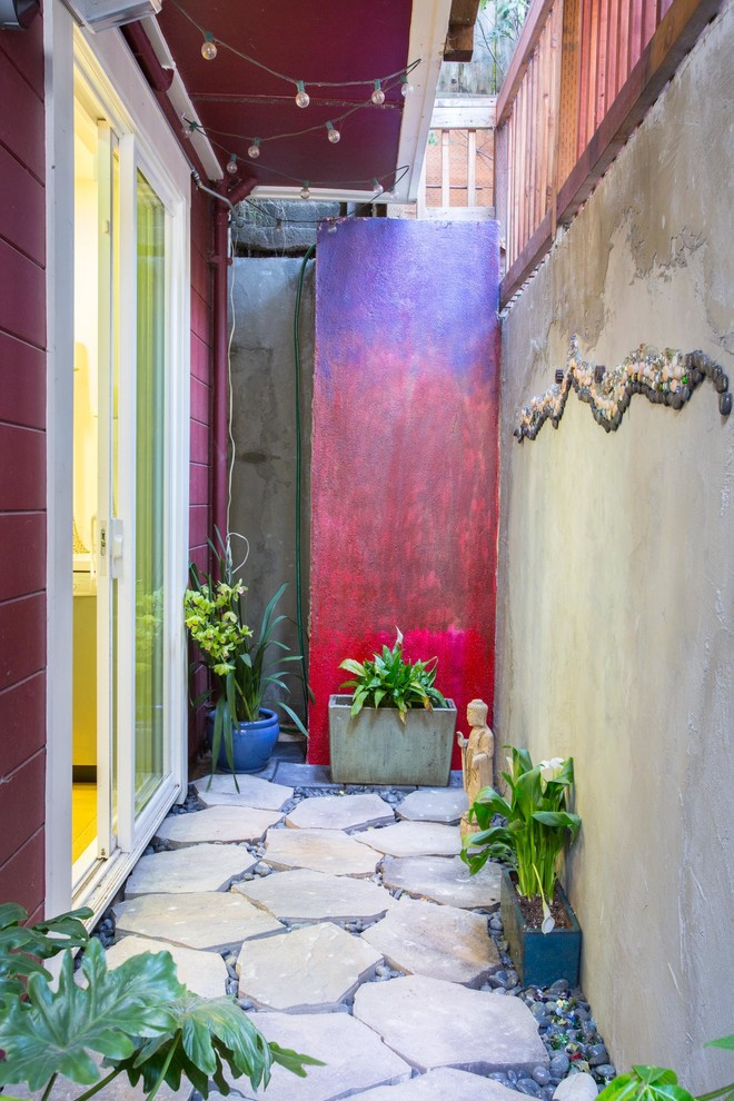 Example of an eclectic patio design in San Francisco