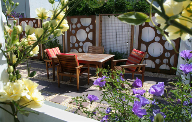 Cottage Update eclectic-patio