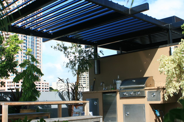 Elegant EcoShade Louvered Roofs Tropical Patio