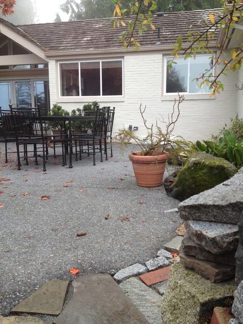 Edmonds Outdoor Kitchen contemporary-patio