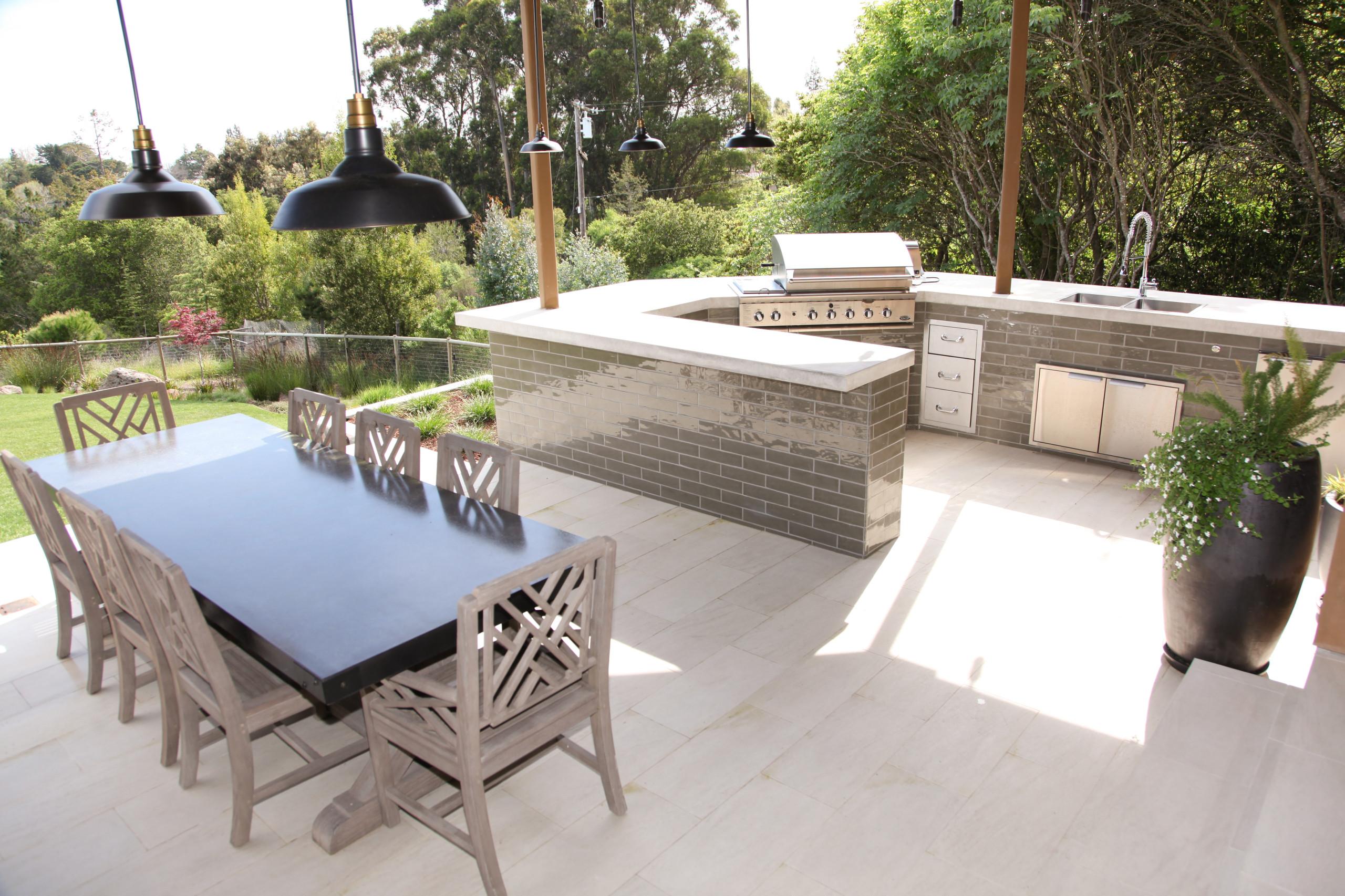 Emerald Hills Outdoor Kitchen