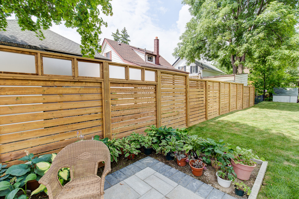 4 Tips for Building Your Own Fence This Summer