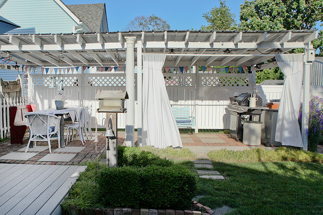 Emma's Cottage traditional-patio