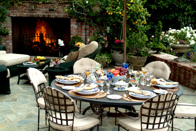 English Tudor traditional-patio