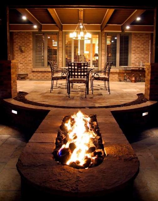 Entertaining Luxury traditional-patio