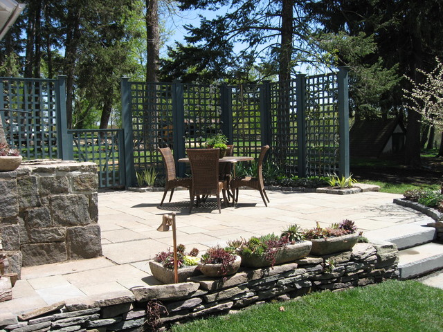 Entertaining Space traditional-patio