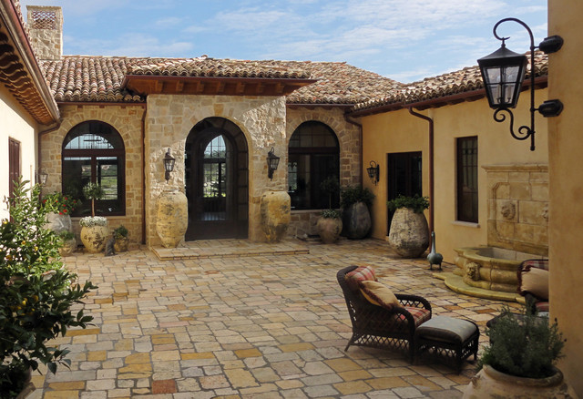 Entry courtyard mediterranean patio santa barbara for Courtyard home designs adelaide