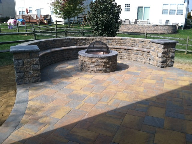 Ep Henry Bristol Stone Paver Patio With Fire Pit Rustic