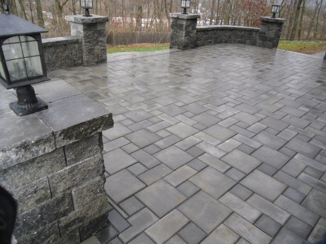 Ep Henry Paver Patio With Sitting Walls And Pillars Traditional
