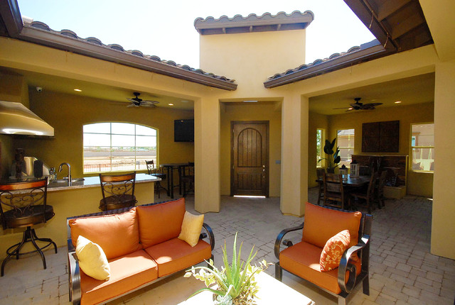 Evolve Marbella Vineyards Gilbert Az 5593 Thrive Plan Mediterranean Patio