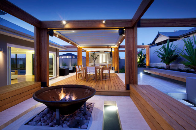 Exotic ResortStyle Landscape Design in Hillarys by Ritz Exterior