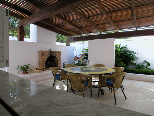 Extensions to a spanish mission house for Outdoor room extensions