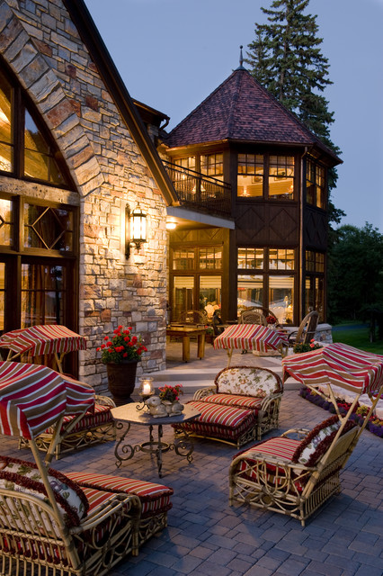Exterior traditional-patio
