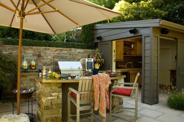 Attrayant Photo Of A Large Modern Back Patio In San Francisco With An Outdoor  Kitchen, Concrete