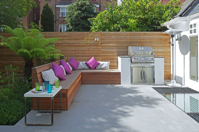 Inspiration for a contemporary patio in London.