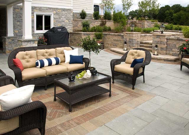 Farinelli Construction Inc traditional-patio