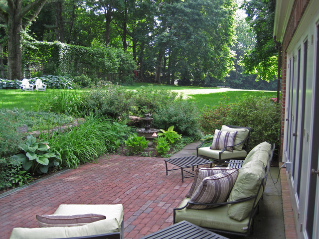 Federal renovation traditional-patio