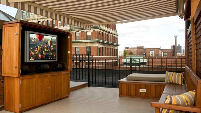 Finest Roof Deck in Town contemporary-patio