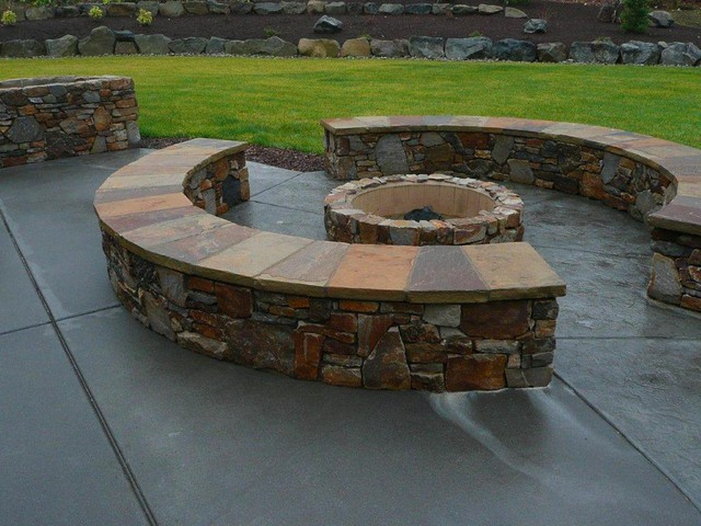 Fire Pit traditional-patio