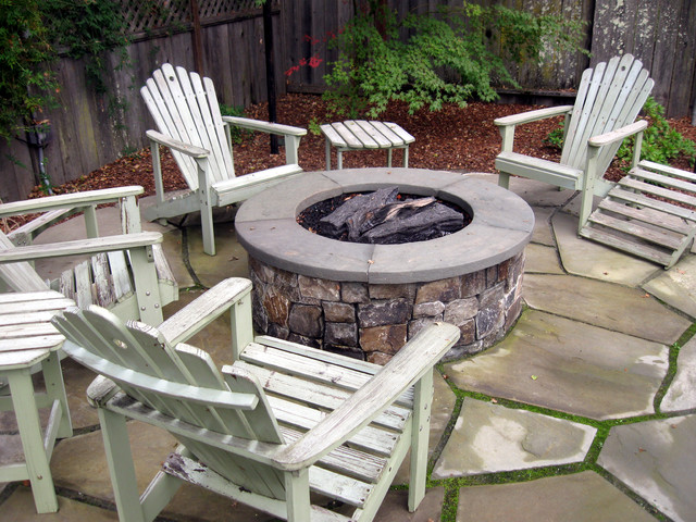 Fire pit w bluestone cap for Blue stone patio with fire pit