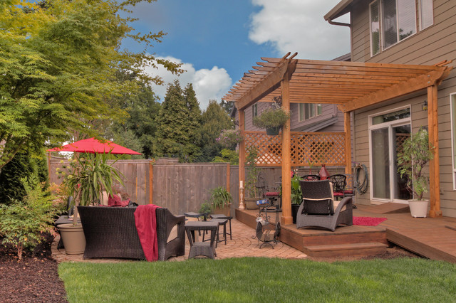 Fire pit - Water feature - Pergola - Paver courtyard patio