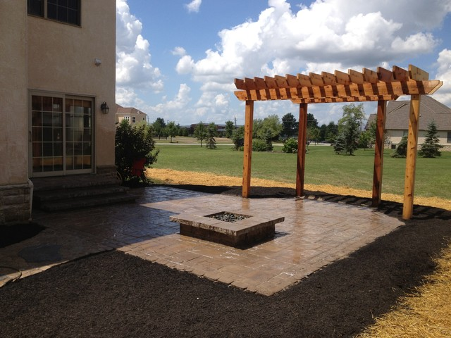 Firepit with Pergola in Powell, OH traditional-patio