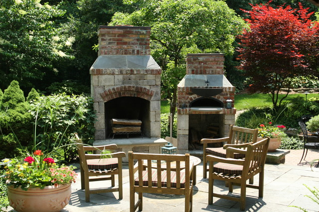 Fireplace & Pizza oven traditional-patio