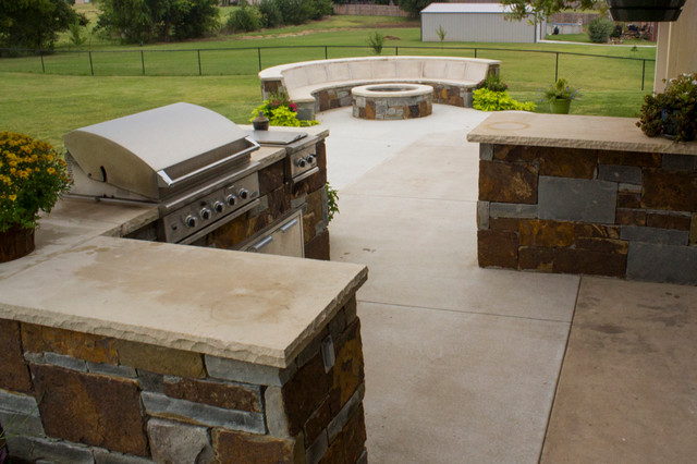 Fireplaces Fire Pits Matching Stonework Fire Pit And Outdoor Kitchen Craftsman Patio