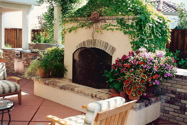 Fireplaces in outdoor rooms patio san francisco by for Outdoor rooms with fireplaces