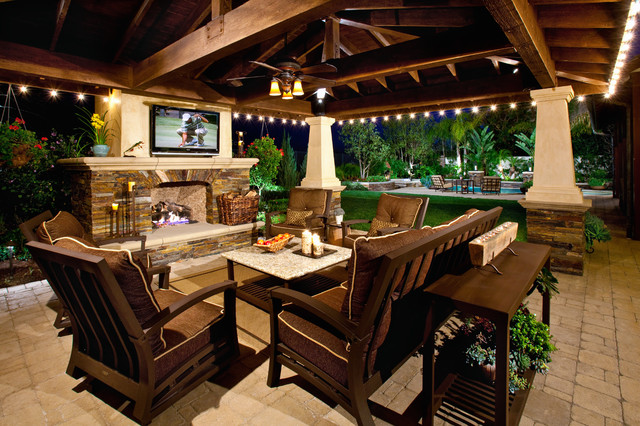 Tuscan Brick Patio Photo In Orange County With A Fire Pit
