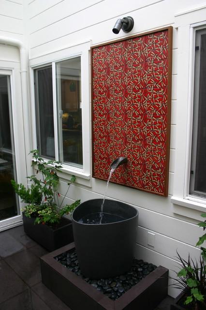 Fountain contemporary-patio