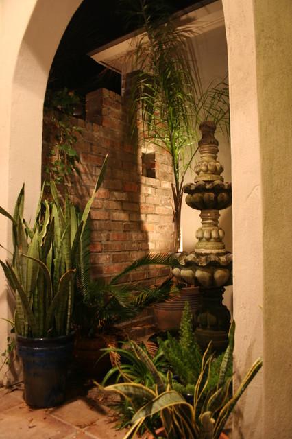 fountain tropical-patio