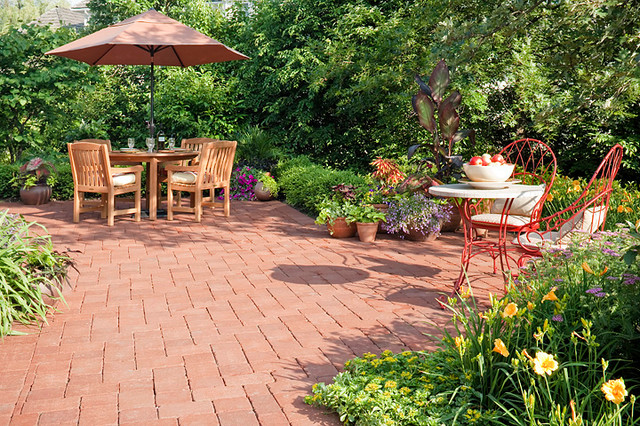 French Country Garden Traditional Patio Chicago By K Amp D Landscape Management