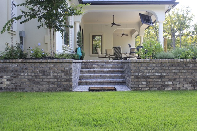 French Flair traditional-patio
